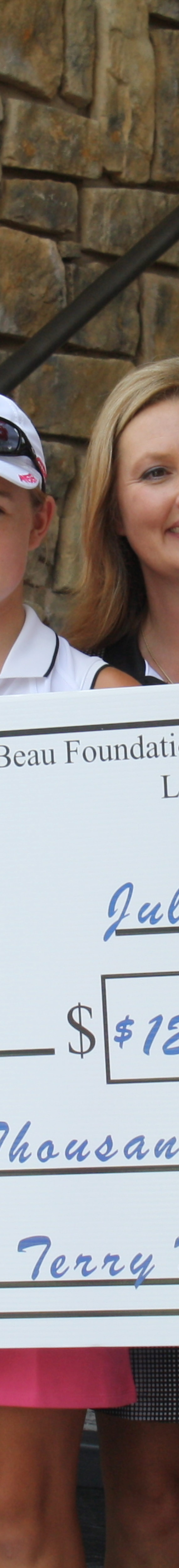Beau Foundation commemorates 10 years with $125,000 gift to Community Clinic